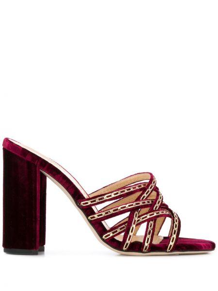 Кожаные красные открытые босоножки на каблуке Chloe Gosselin