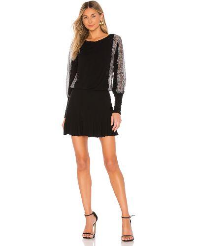 Czarna sukienka koronkowa sznurowana Bailey 44