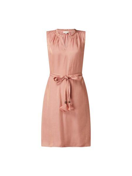 Sukienka rozkloszowana z falbanami - różowa Cream