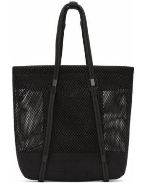 Черная текстильная сумка с заплатками сетчатая 132 5. Issey Miyake