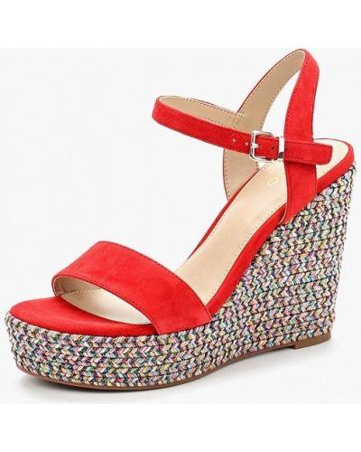 Красные босоножки на каблуке Aldo