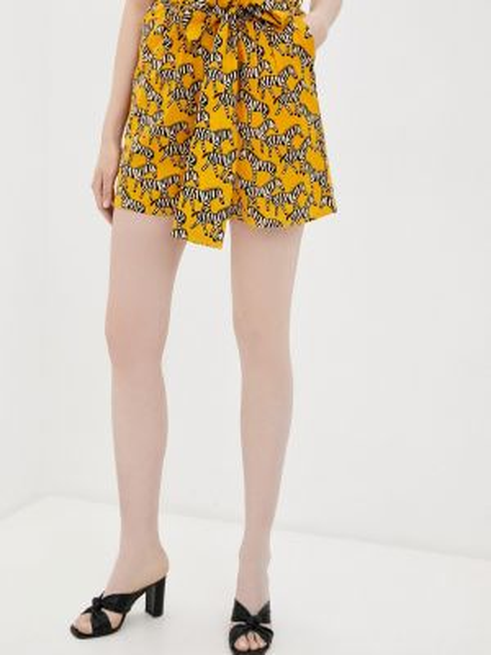 Повседневные желтые шорты Compania Fantastica