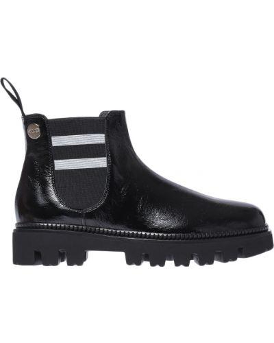 Ботинки на каблуке кожаные осенние Cesare Paciotti
