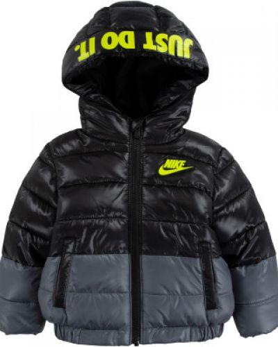 Черная спортивная куртка Nike