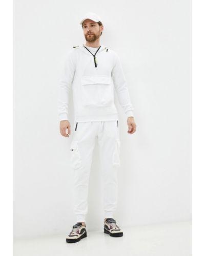 Костюмный белый спортивный костюм Aarhon