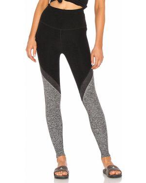 Spodnie z wysokim stanem elastyczne czarne Beyond Yoga