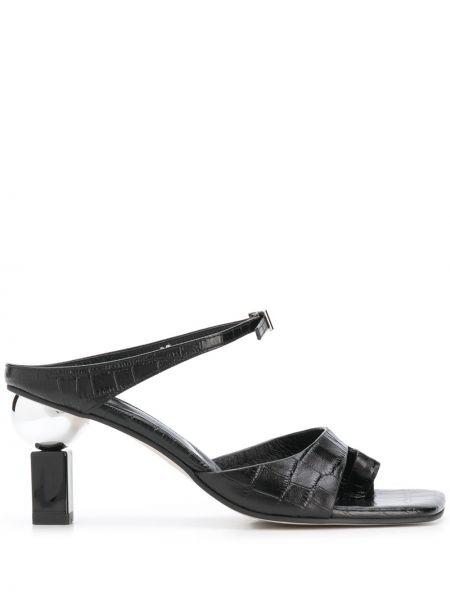 Мюли кожаные на каблуке Yuul Yie