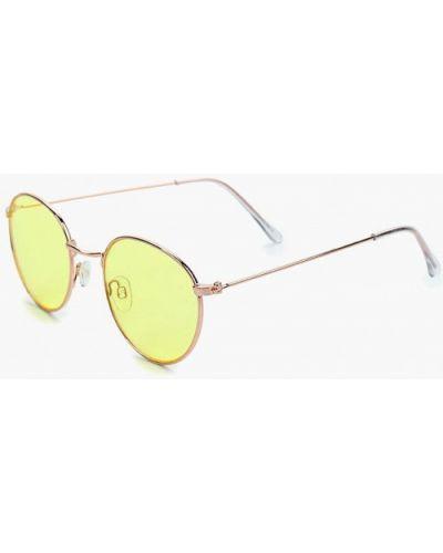 Солнцезащитные очки золотого цвета Aldo