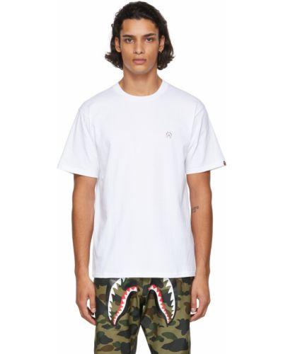 Белая футболка короткая Bape