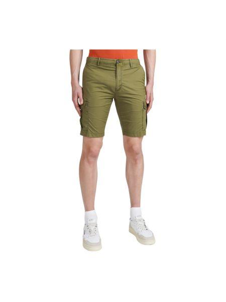 Zielone szorty Atpco