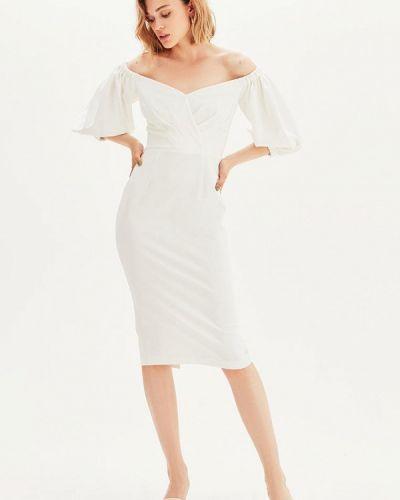 Платье с открытыми плечами - белое Love Republic
