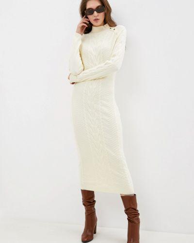 Бежевое трикотажное вязаное платье Love Republic