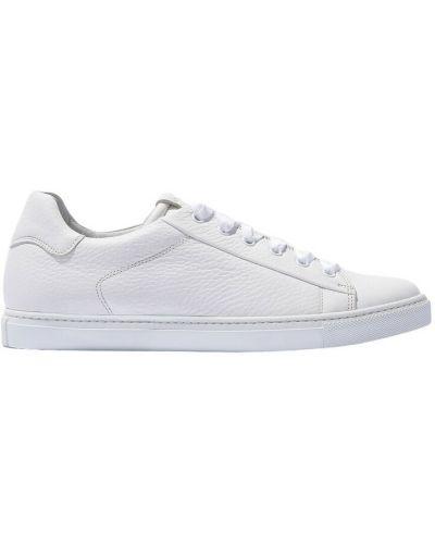 Białe sneakersy Scarosso