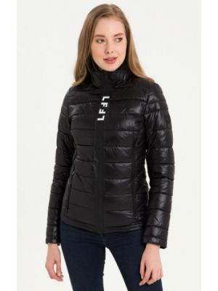 Теплая черная утепленная куртка Lab Fashion