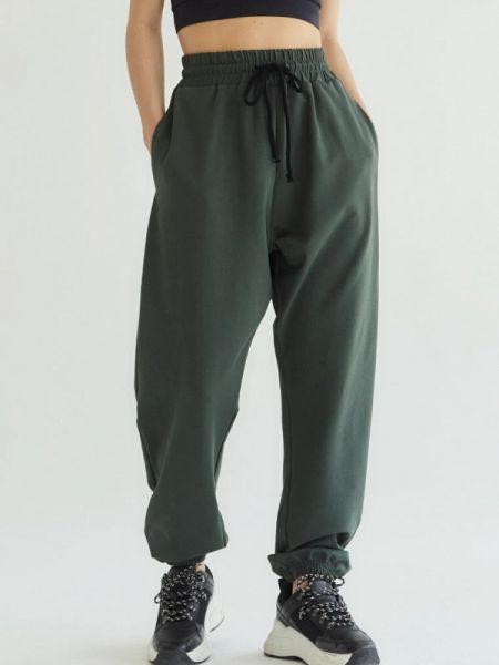Спортивные зеленые спортивные брюки Profit