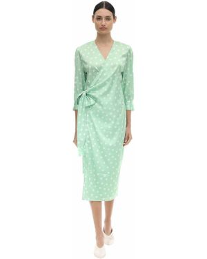 Satynowa zielona sukienka kopertowa Aeryne
