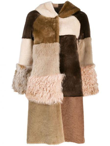 Длинное пальто из овчины с капюшоном пэчворк Liska