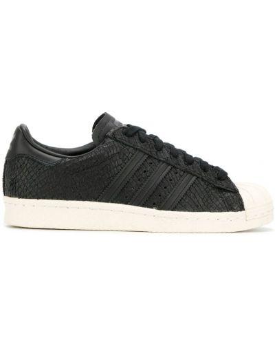 Кожаные кроссовки со змеиным принтом на шнуровке Adidas