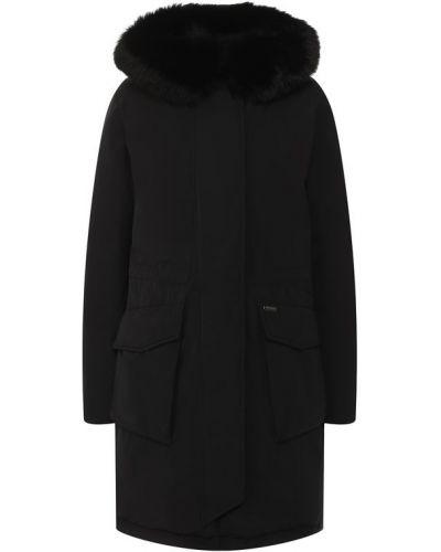 Куртка с капюшоном утепленная черная Woolrich