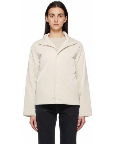 Белая куртка ветрозащитная Rains