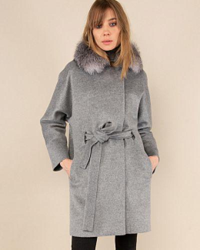 Серое пальто с воротником каляев