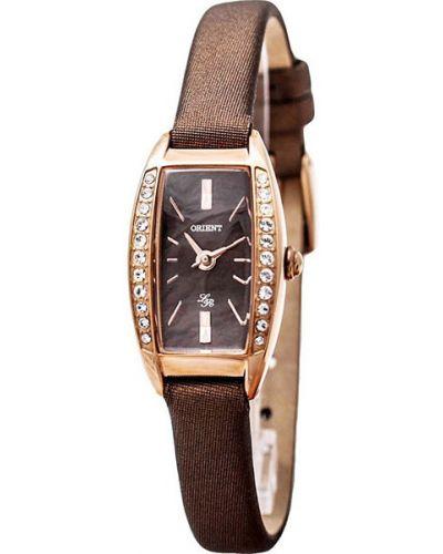 Кварцевые часы водонепроницаемые с камнями Orient