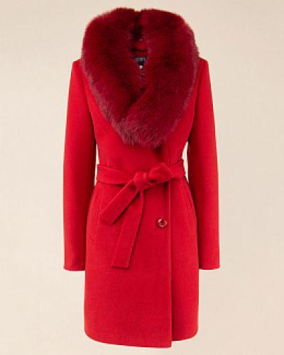 Красное приталенное текстильное пальто каляев