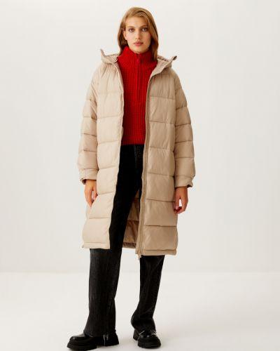 Стеганое пальто - бежевое Sela