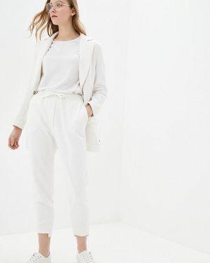 Облегающий белый брючный костюм O&j