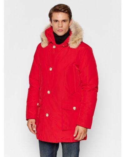 Czerwona kurtka Woolrich