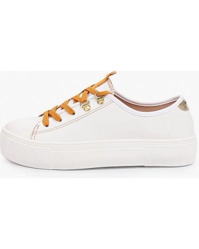 Кожаные белые низкие кеды Moleca