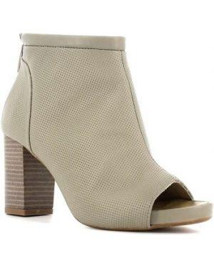 Brązowe sandały Manas