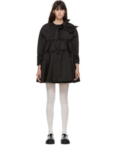 Satynowa czarna sukienka mini z długimi rękawami Shushu/tong