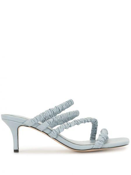 Синие открытые босоножки на каблуке с оборками Mara & Mine