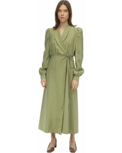 Satynowa zielona sukienka midi kopertowa Lesyanebo