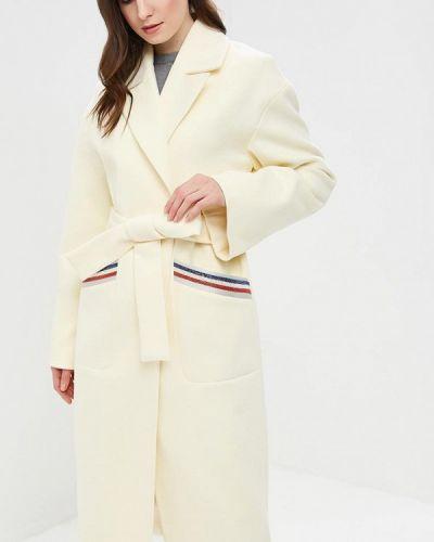 Белое пальто с капюшоном Grand Style
