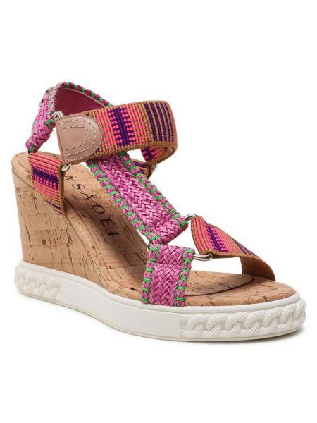 Różowe sandały Casadei