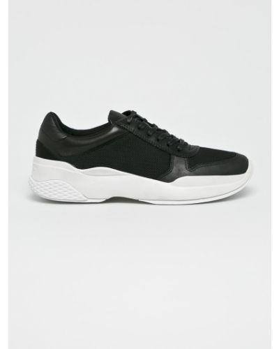 Кожаные кроссовки черные текстильные Vagabond