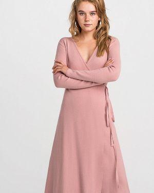 Платье розовое с запахом Befree
