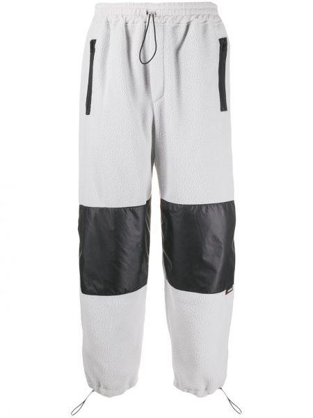 Czarne spodnie Lc23