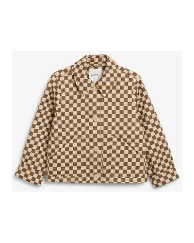 Коричневая укороченная куртка Monki