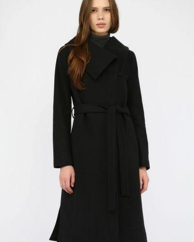 Черное пальто с капюшоном Monton
