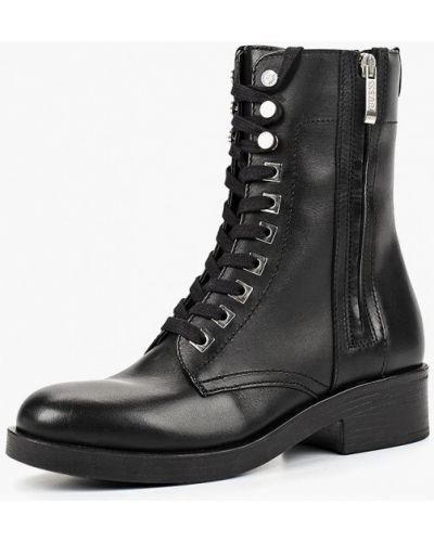 Кожаные ботинки осенние на каблуке Guess