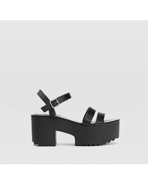 Туфли на каблуке черные на платформе Stradivarius