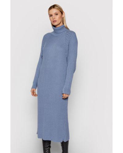 Niebieska sukienka dzianinowa Y.a.s