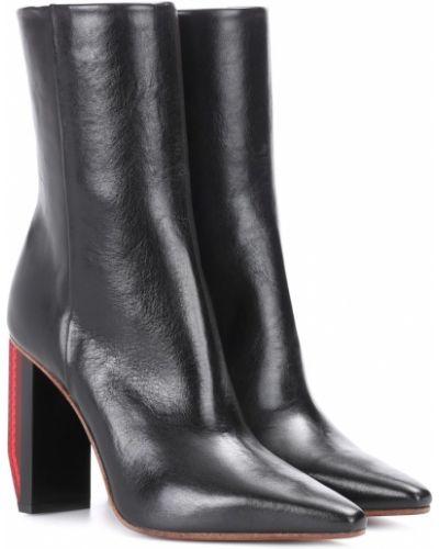 Ботинки на каблуке черные светлые Vetements