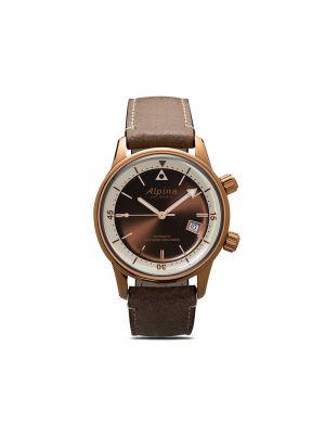 Кожаные коричневые часы круглые Alpina