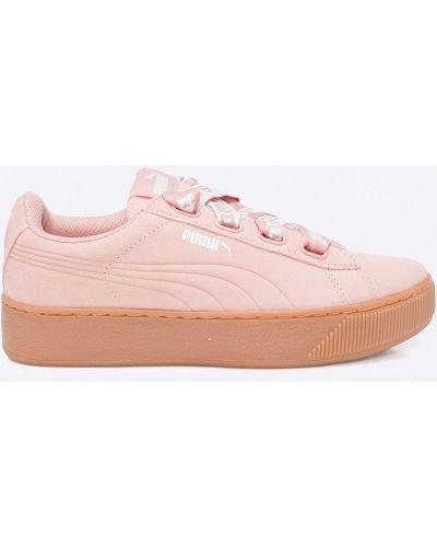 Розовые кроссовки на платформе Puma