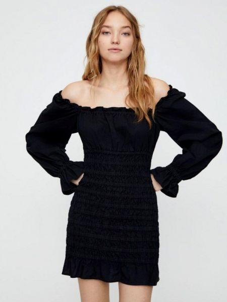 Платье осеннее с открытыми плечами Pull&bear