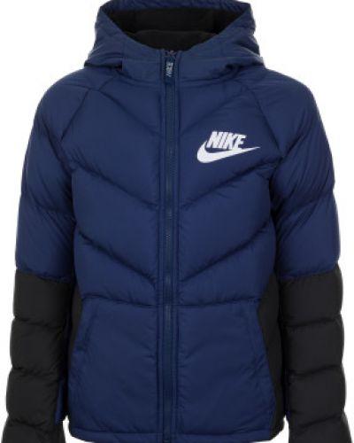 Зимняя куртка спортивная с капюшоном Nike
